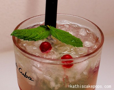 Sommer - Cocktail mit Minze, Limetten und Mandel-Marzipanaroma